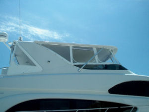 64 Hatteras Yacht Hardtop comes off forward edge of arch